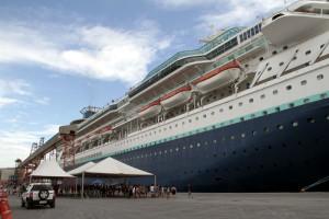 Porto de Paranaguá recebe navio com 2,6 mil turistas