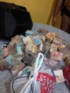 PM recupera dinheiro em Paranaguá