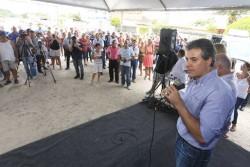 GOVERNADOR ENTREGA TÍTULOS DE TERRA PARA PEQUENOS PRODUTORES
