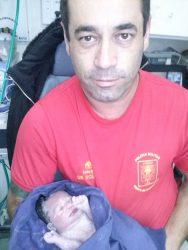 Corpo de Bombeiros de Paranaguá traz ao mundo a pequena Isabela